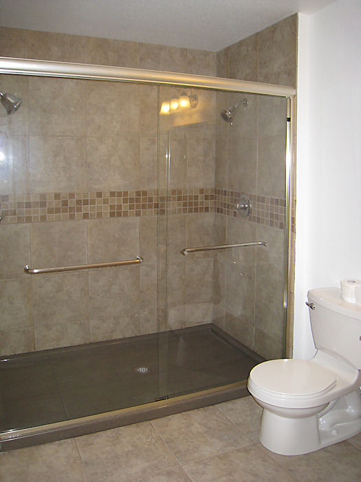 Walk In Shower With Gl Doors And Tile Bathroom Remodel
